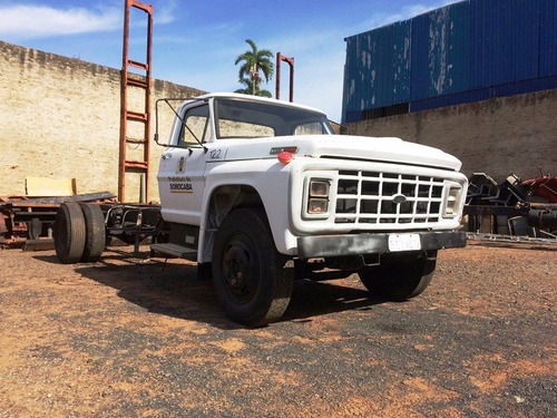 Caminhão Para Retirada De Peças