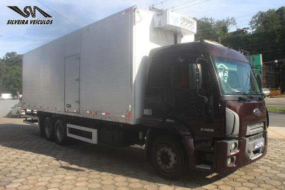 Ford Cargo 2428 - Ano: 2012 - Baú Refrigerado