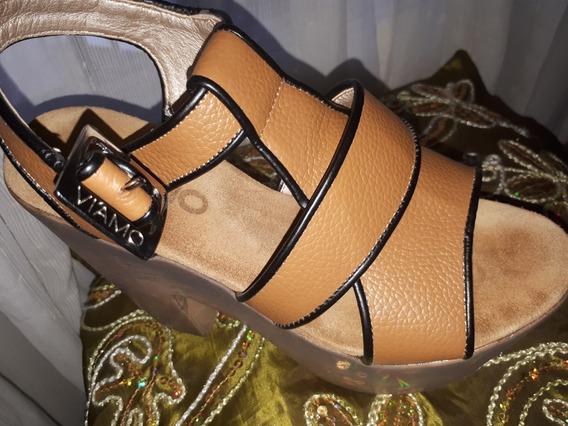 Sandalias Nuevas Color Suela De Cuero Marca Viamo.