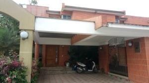 Townhouse En Venta En Mañongo Naguanagua 20-8347 Valgo