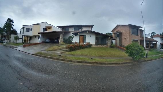 Casa En Venta Guataparo Valencia Carabobo 20-4482 Prr