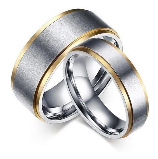 Par Aliança Anel Compromisso Noivado Aço Inox Polido C/ Ouro