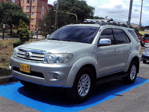 Toyota Fortuner Srs 4x4 Mt 2700 Cc Aa
