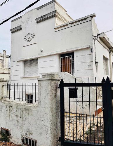 Alquiler En La Teja, Casa De Dos Dormitorios Amplios