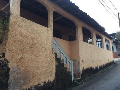 Casa Com 2 Quartos Para Alugar No Sagrada Família Em Manhuaçu/mg - 158