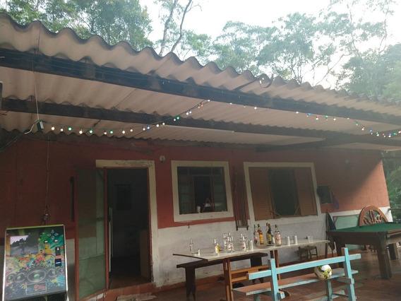 2 Quartos Sala E Cozinha E Banheiro + Casa De Caseiro