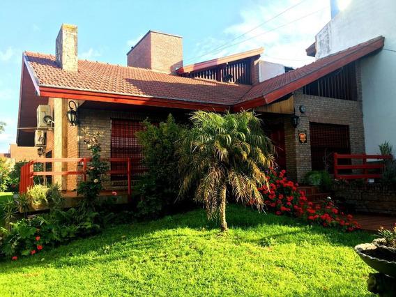Venta De Casa 6 Amb Con Pileta En Quilmes Oeste