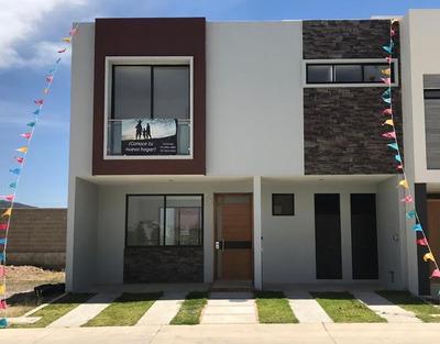 Hermosa Casa Residencial De 3 Recamaras Y 2 1/2 Baños