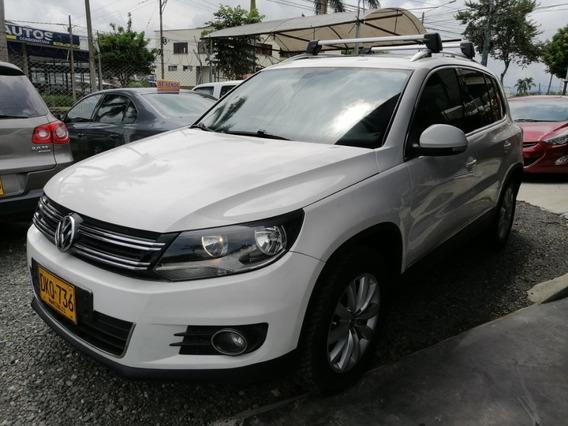 Volkswagen Tiguan 2.0 At