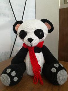 PATRON GRATIS OSO PANDA GIGANTE AMIGURUMI 3981 | Oso panda gigante ... | 320x240