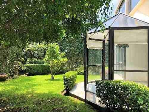 Linda Casa Para Actualizar En Teca Con Terrazas Y Jardín