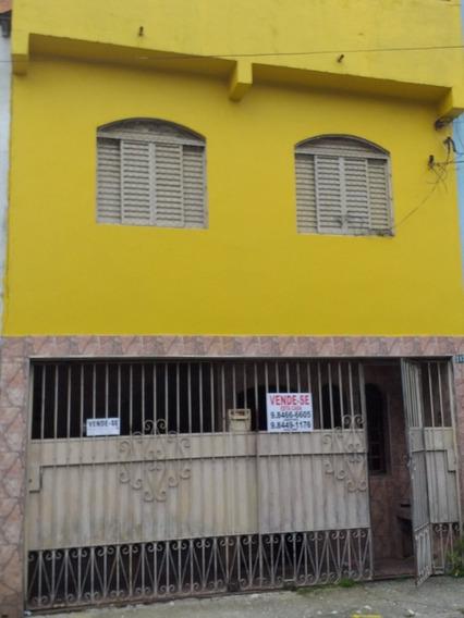 Casa De Três Quartos Sala Cozinha Garagem Lavanderia Sendo U