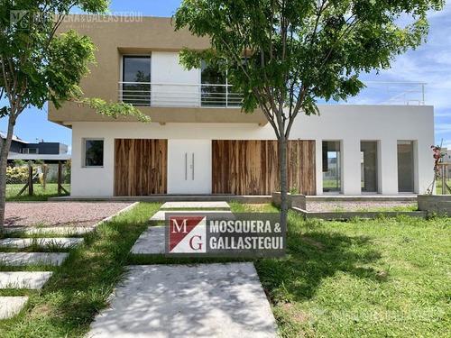 Mosquera Y Gallastegui- Casa - San Matias