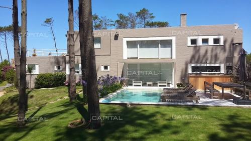 Imagen 1 de 30 de Excelente Casa De Cinco Dormitorios En Laguna Blanca- Ref: 28964