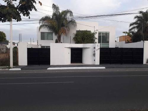 Amplia Casa En Renta En La Mejora Ubicación De Juriquilla