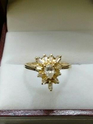 Anillo Oro Amarrillo 14k Con Diamantes