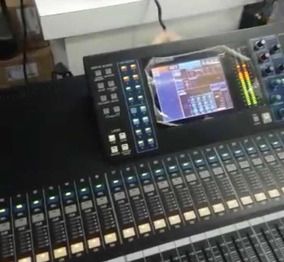 Mesa De Som Yamaha Ls9 - 32 Canais