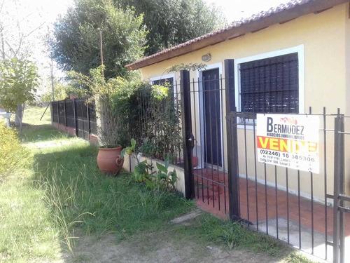 Venta Casa 3 Ambientes En Mar Del Tuyu Calle 80 E/ 6 Y 7