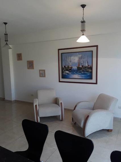 Lindo Apartamento En Residencias Villa Solariega