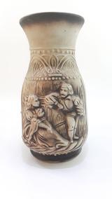 Vaso Estampa Em Relevo Temática Medieval - 29 Cm | Decoração