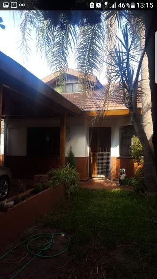 Casa De 4 Ambientes, Cochera, Parque Y Quincho
