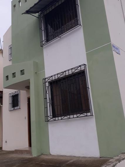 Casa De 3 Dormitorios En Urbanización Privada En Manta