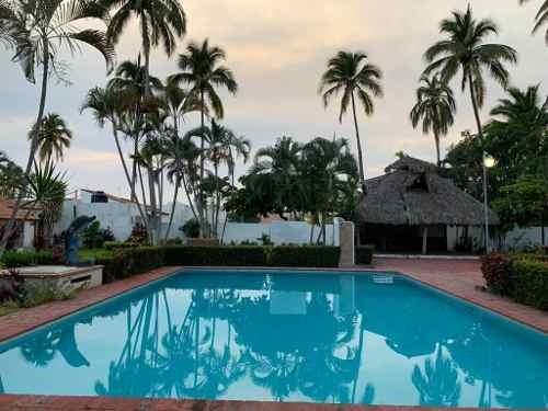En Venta Casa En Costa Azul Iv