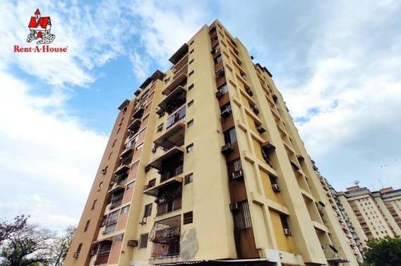 Apartamento En Venta Urb El Centro Maracay Mj 20-18430