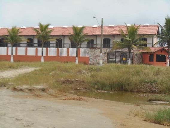Casa Na Praia Em Condomínio Fechado.