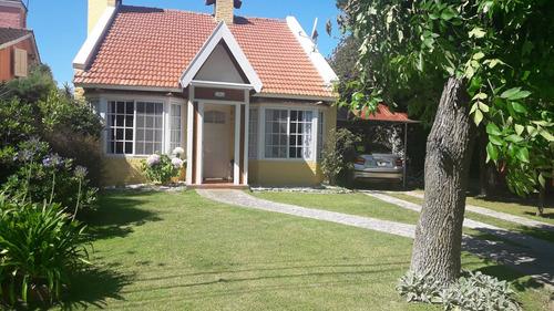 Venta Casa En Country   El Pato  Equipada