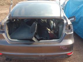 Sucata Volkswagen Jetta 2.0 2014/2014 Flex Retirada De Peças