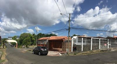 Casas En Barrio Balboa | Residencial Coopeve - La Chorrera