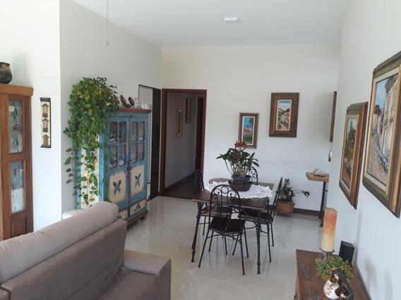 Casa Com Alto Padrão Em Caxambu, No Sul De Minas, Casa Nova , Bairro Muito Bom, Vista Maravilhosa , Com 03 Quartos , 05 Vagas De Garagem. - 507