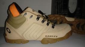 Tênis Bota Oakley Couro