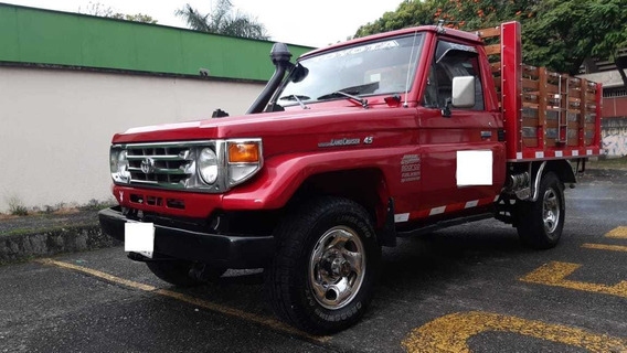 Toyota Land Cruiser F2-75