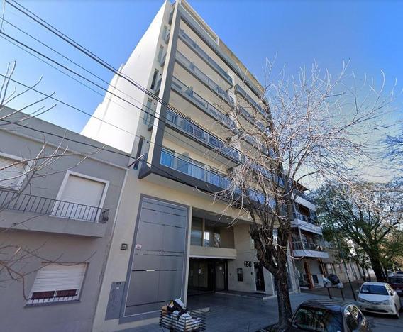 Departamento Alquiler Al Frente 2 Dormitorios Y 60 Mts 2-equipado Y Amoblado -piscina - La Plata