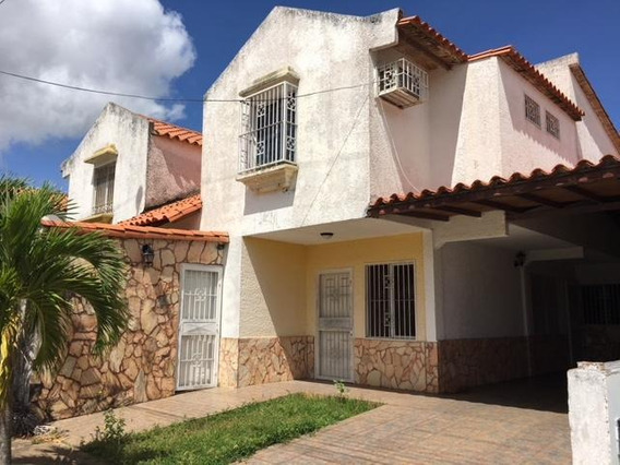 Rent A House Anzoategui Vende Townhouse Mls #19-3848 M.t