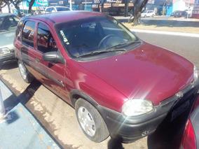 Chevrolet Corsa Hacth 1.6 4 Portas Vermelho;