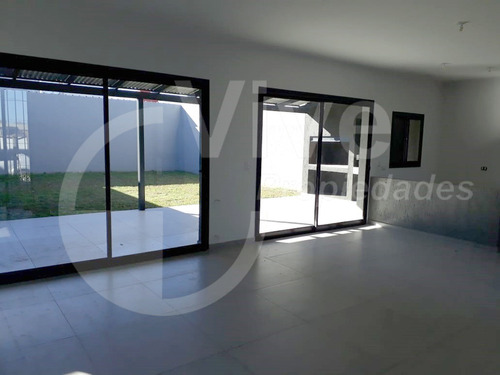 Imagen 1 de 8 de Casa 3 Dormitorios, Comarca De Allende. Se Escuchan Ofertas!
