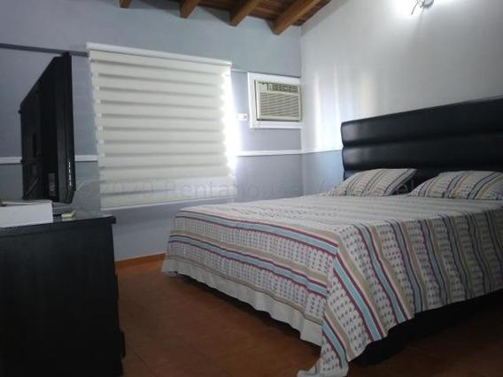 Casa En Alquiler Este Barquisimeto 20-24931 Jcg