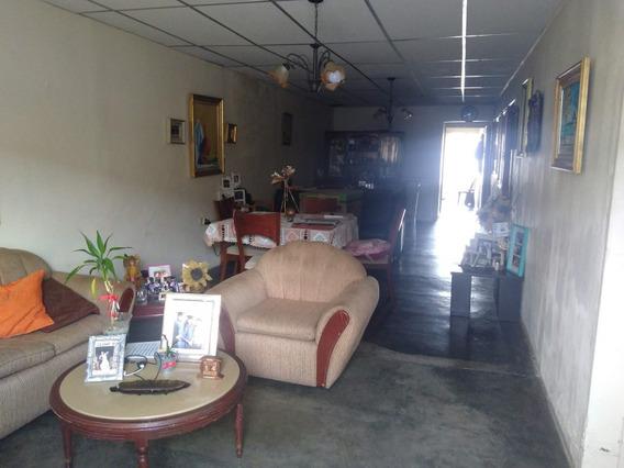 Se Vende Casa En El Centro, Calle Infante