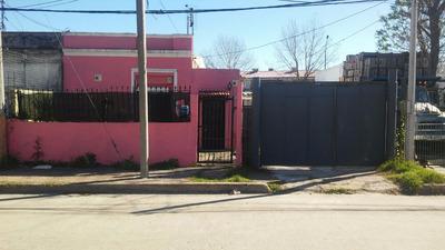 Casa Con Barbacoa Y 2 Monoambientes