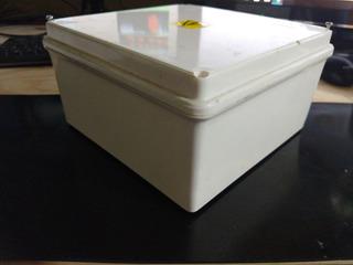 Caja Estanca Exterior Pase P/cámara Balun Cctv 20x20x10
