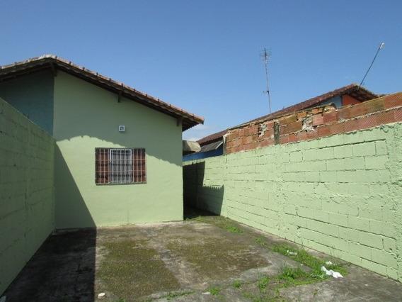 Casa 02 Dormitórios, 500 Metros Da Pista!