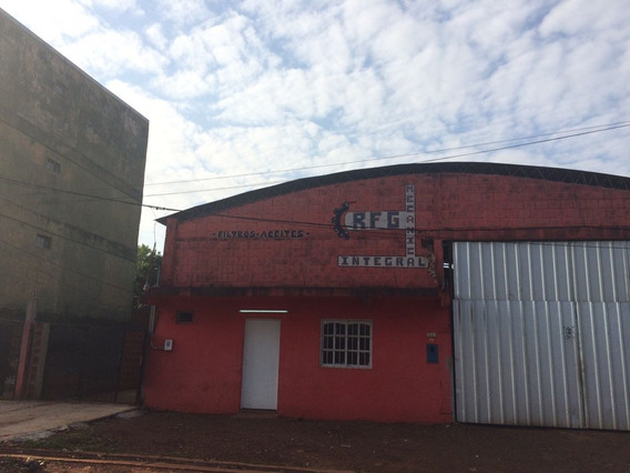 Vende Amplio Terreno Con 2 Casas Y Galpón (ref:226542)