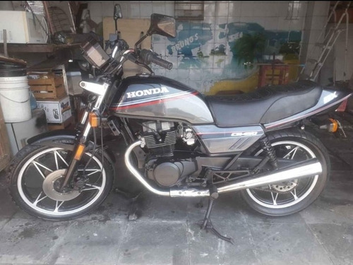 Imagem 1 de 10 de Honda Cb