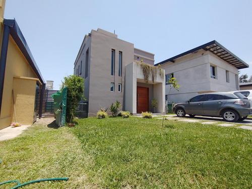 Hermosa Casa En Country Pinar Ii