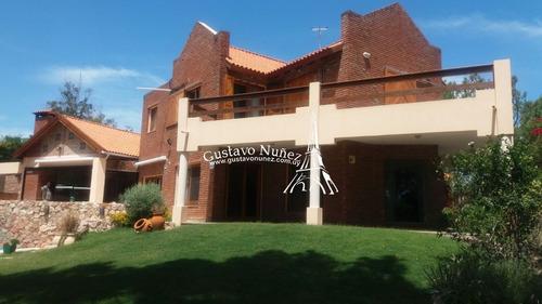 Casa En Proa Al Mar, 4 Dormitorios *- Ref: 2681