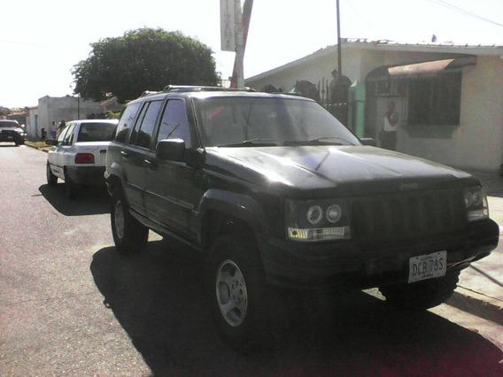 Jeep Grand Cherokee Laredo 4x4 6 Cil.