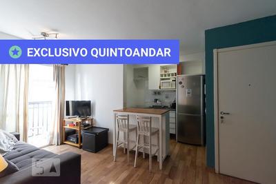 Apartamento No 6º Andar Mobiliado Com 2 Dormitórios E 1 Garagem - Id: 892918101 - 218101